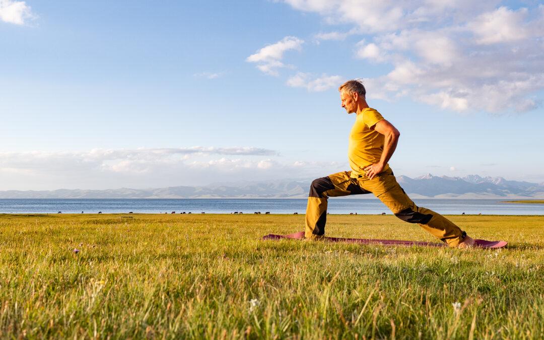 Yoga für den Alltag: Vor- und Rückbeugen mit Ramadhuta